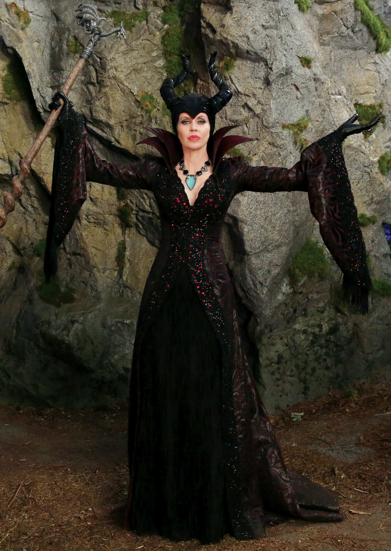 10 'Once Upon a Time' Characters We Love to Hate