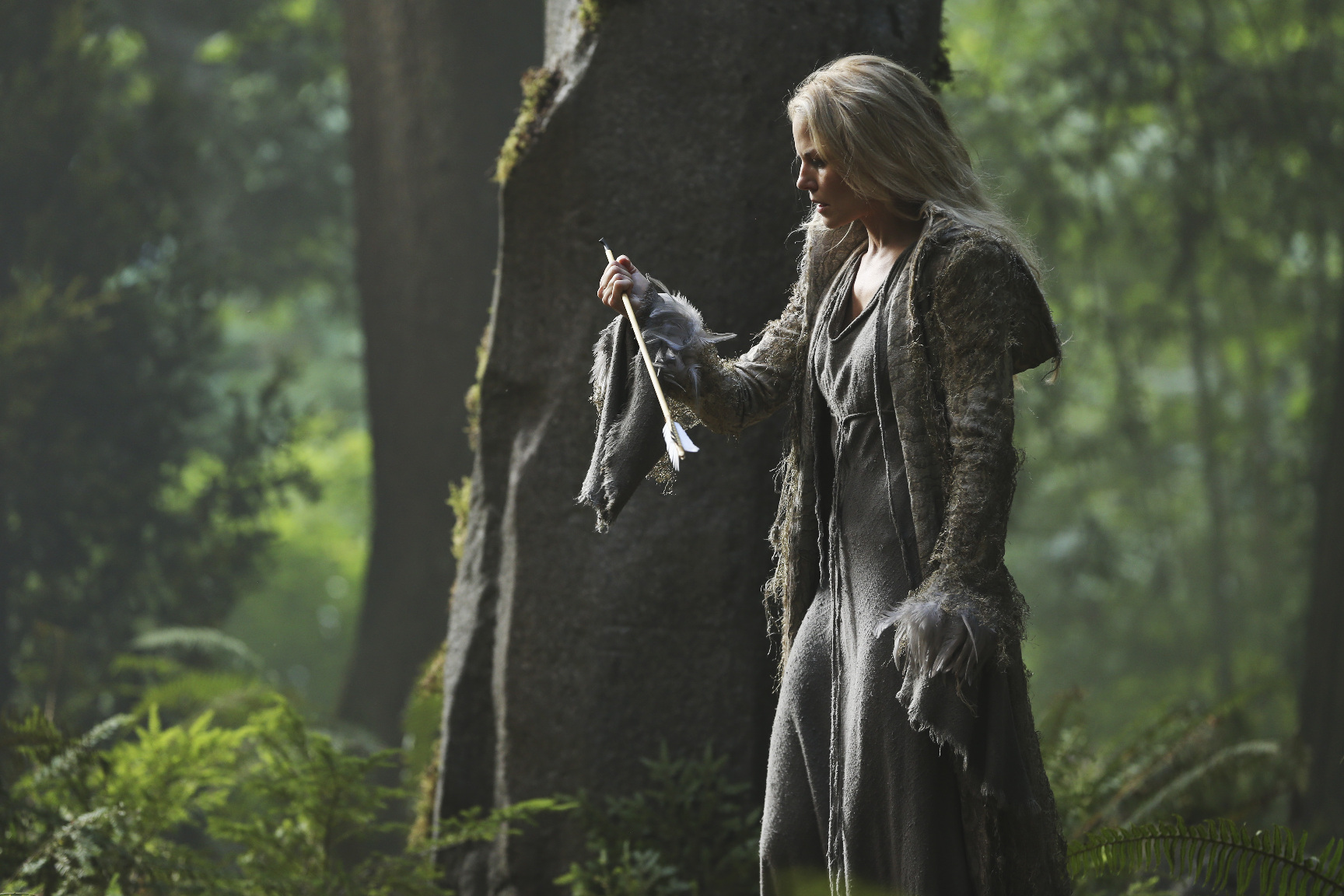 Emma Swan Turns Dark in Once Upon a Time Season 5