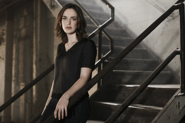 "MARVEL'S AGENTS OF S.H.I.E.L.D. - ABC's ""Marvel's Agents of S.H.I.E.L.D."" stars Elizabeth Henstridge as Agent Jemma Simmons. (ABC/Kurt Iswarienkio )"