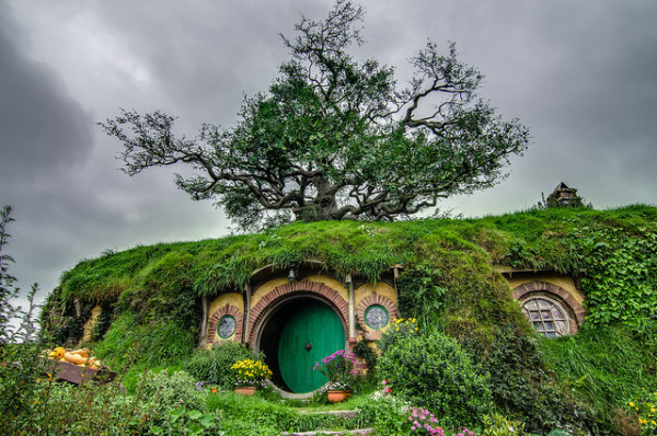Hobbiton / Tom Hall