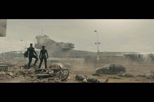 Chris Evans as Captain America and Scarlett Johansson as Black Widow in Avengers: Age of Ultron / Marvel / Disney