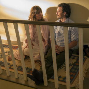 """THIS IS US -- """"The Big Three"""" Episode 102 -- Pictured: (l-r) Mandy Moore as Rebecca, Milo Ventimiglia as Jack -- (Photo by: Ron Batzdorff/NBC)"""