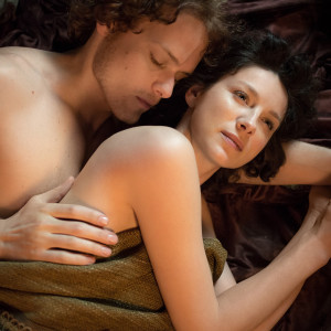 Outlander Jamie and Claire in bed.