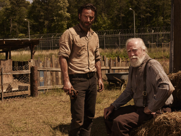 Rick Grimes (Andrew Lincoln) and Hershel Greene (Scott Wilson) - The Walking Dead - Season 4 _ Gallery - Photo Credit: Frank Ockenfels 3/AMC