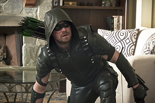 Pictured: Stephen Amell as Green Arrow -- Photo: Katie Yu/The CW