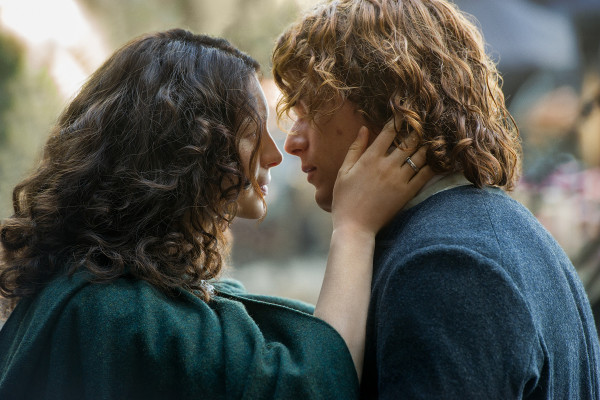Claire and Jamie in 'Outlander' Season 2